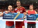 Glückliche Handballfans schaffen den Sprung ins VELUX EHF FINAL4