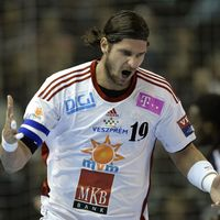 Veszprem snatch the advantage