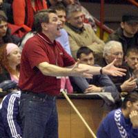Cautious Valcea coach