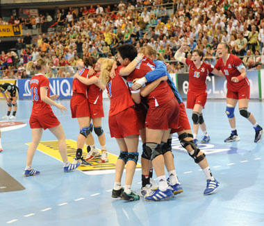 Russian celebration ends women's CL