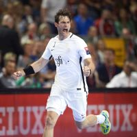 Hansen and Gensheimer steer PSG to their maiden final