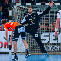 Barcelona win thriller against Veszprem; Kiel needed two wake-up calls