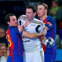 Clash of the titans as Kiel host Barcelona