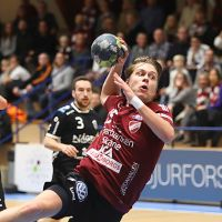Early top match in Magdeburg