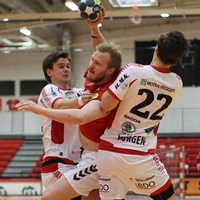 Sporting and Valur heading for semi-finals